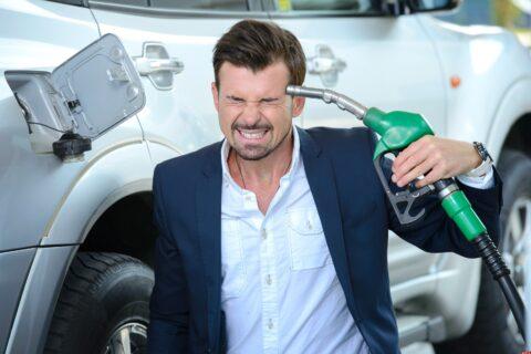 Почему топливо постоянно дорожает и как предпринимателю сэкономить деньги