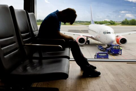 В каких случаях на человека накладывают запрет на выезд из страны
