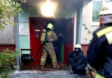 Пять человек спасли при пожаре в Омске