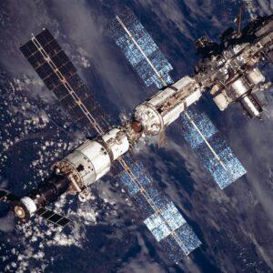 Отсек утечки воздуха обнаружили в российском модуле МКС