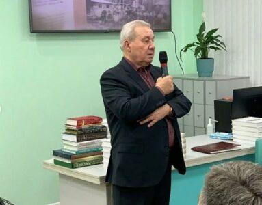 Экс-губернатор Омской области в восторге от новой модельной библиотеки
