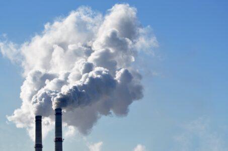 В Омске снова зафиксированы выбросы опасных веществ в атмосферу