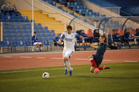 Омский «Иртыш» сыграл вничью с астраханским «Волгарём».