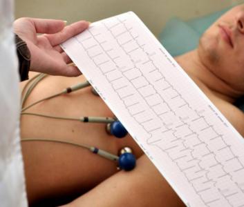Кардиолог назвала продукты, которые защищают больное сердце