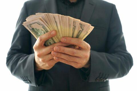 Где взять кредит без поручителей в Казахстане
