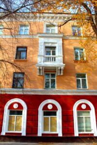 В Омске больше 300 домов одели в «шубы»