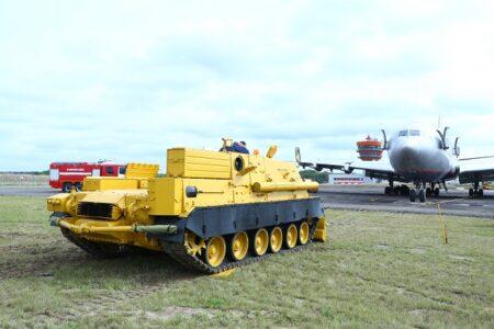 Гражданскую версию танка Т-80 изготовил Омсктрансмаш для московского аэропорта