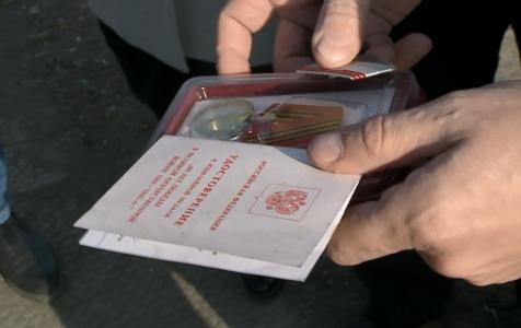 На омской свалке нашли медали и документы ветерана Великой отечественной войны