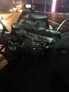 В ночном ДТП в Омске погиб водитель легковушки