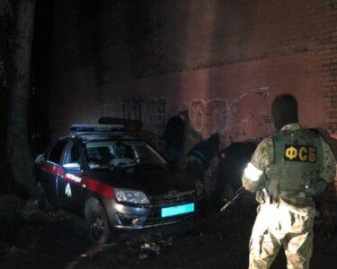 В Омске задержали трех сотрудников Росгвардии