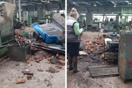 В Омске с крыши завода упал рабочий