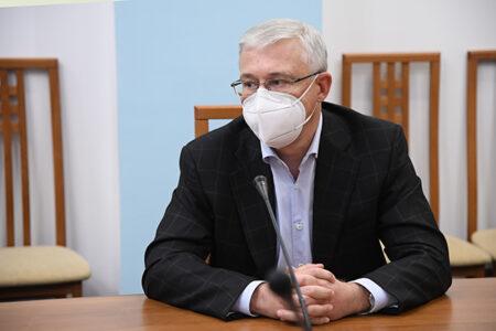 В омских больницах оборудуют 260 коек для больных коронавирусом