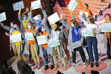 Омские школьники выиграли больше 4 миллионов рублей во Всероссийском конкурсе
