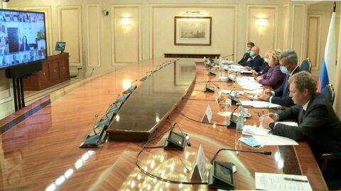 Мэр Омска Оксана Фадина выступила с докладом в Совете Федерации