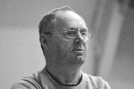 Известный тренер по волейболу скончался в Омске