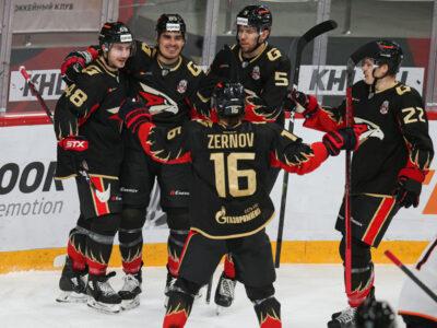 «Авангард» одержал четвертую победу подряд в матче КХЛ