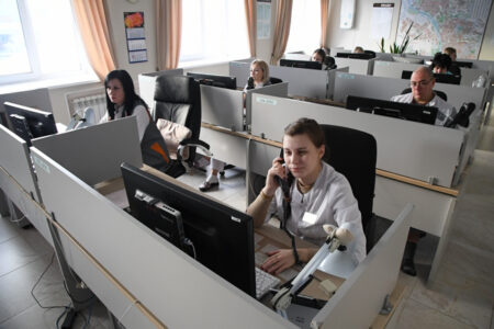 Сибирский полпред проверил работу станции скорой помощи в Омске