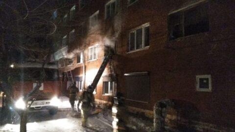 В бывшем общежитии Октябрьского района Омска произошел пожар