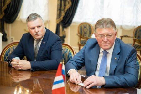 Соглашения о сотрудничестве с двумя российскими университетами подписал Губернатор Омской области