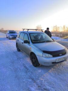 Омские госавтоинспекторы вовремя оказали помощь водителю с полугодовалым ребенком в машине