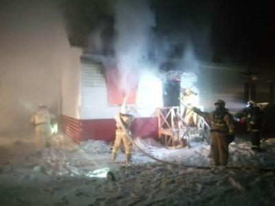 В Омской области при пожаре погибли отец и его трехлетняя дочь