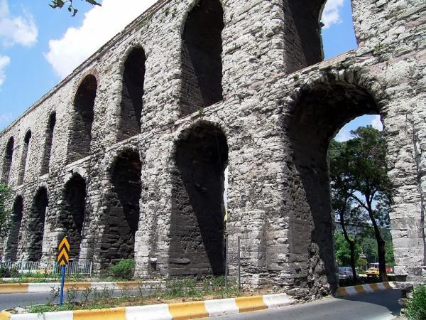 Известковые отложения указали на постоянное обслуживание самого большого акведука