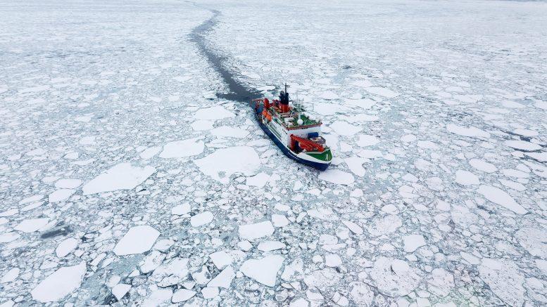 Морской лед в Арктике истончается в два раза быстрее, чем ожидалось