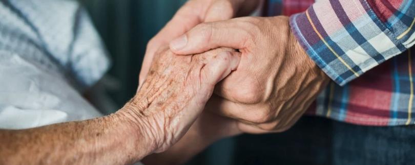 Вакцина против болезни Альцгеймера только что прошла испытания на безопасность на людях