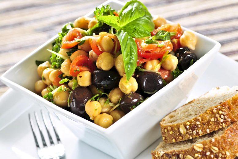 Исследование показало, что у вегетарианцев уровень биомаркеров болезней лучше, чем у мясоедов