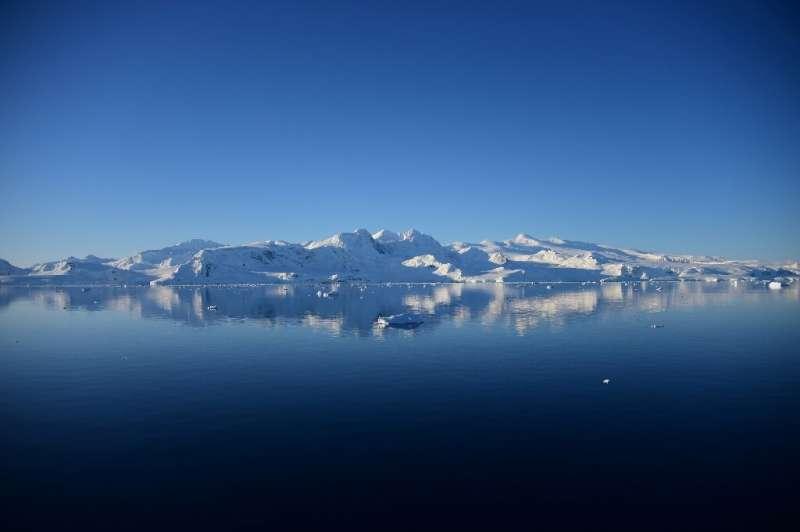 ООН подтвердила рекордно высокую температуру 18,3°C в Антарктиде