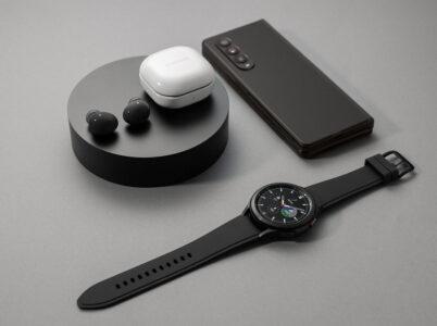 В России начали продажи новых смартфонов, часов и наушников Samsung